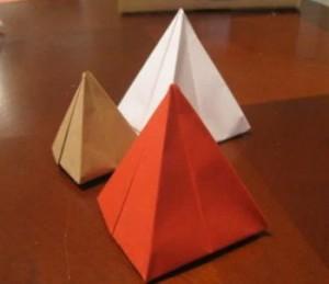 piramide de papel